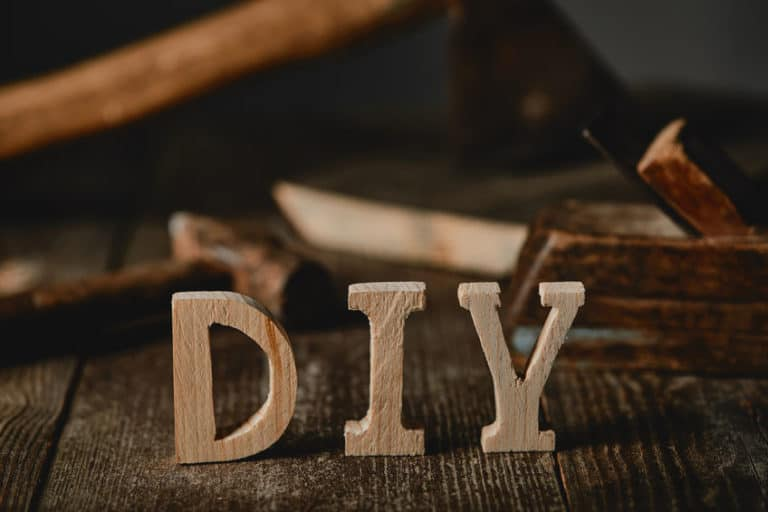 DIY Homemade Wood Sign Projects For Beginners