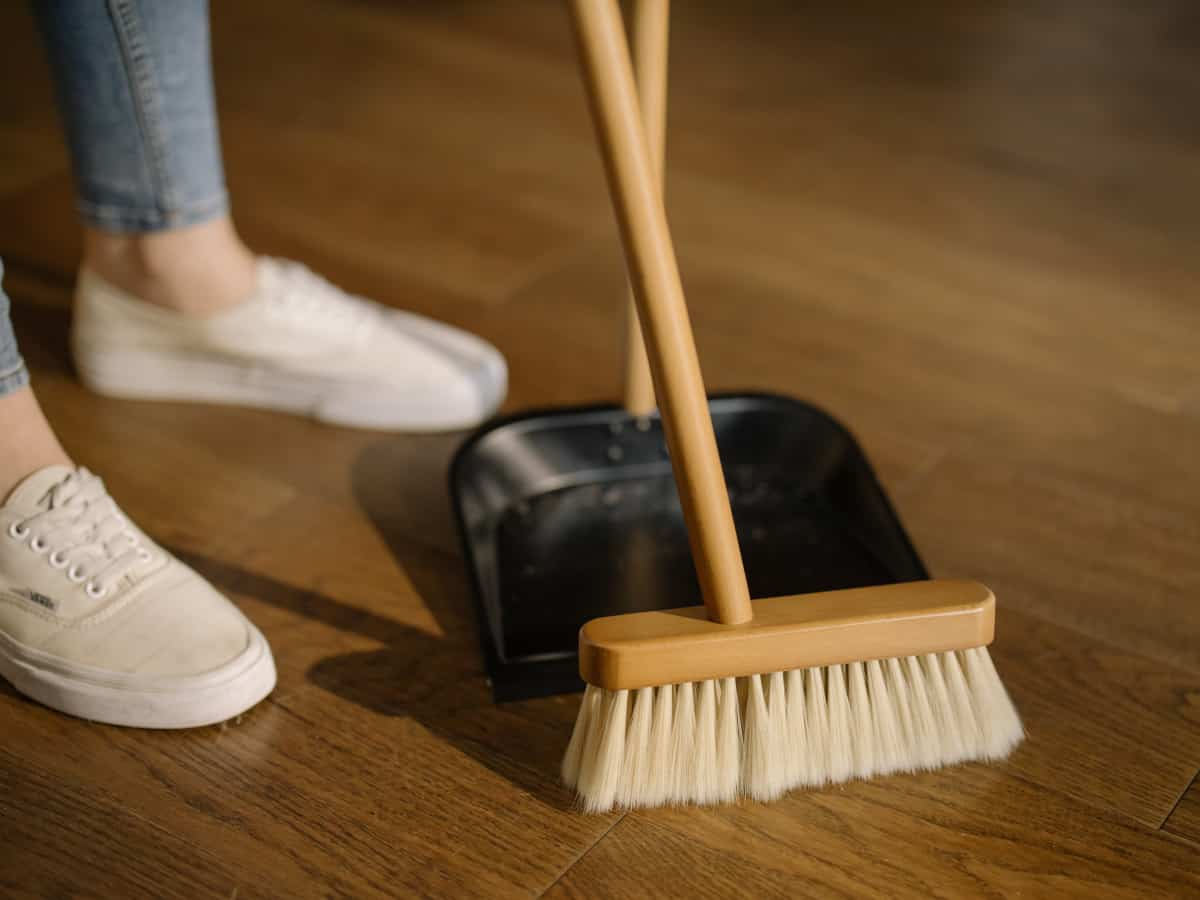 Woodworking By LPI - What Is A Good Broom For Wood Shop