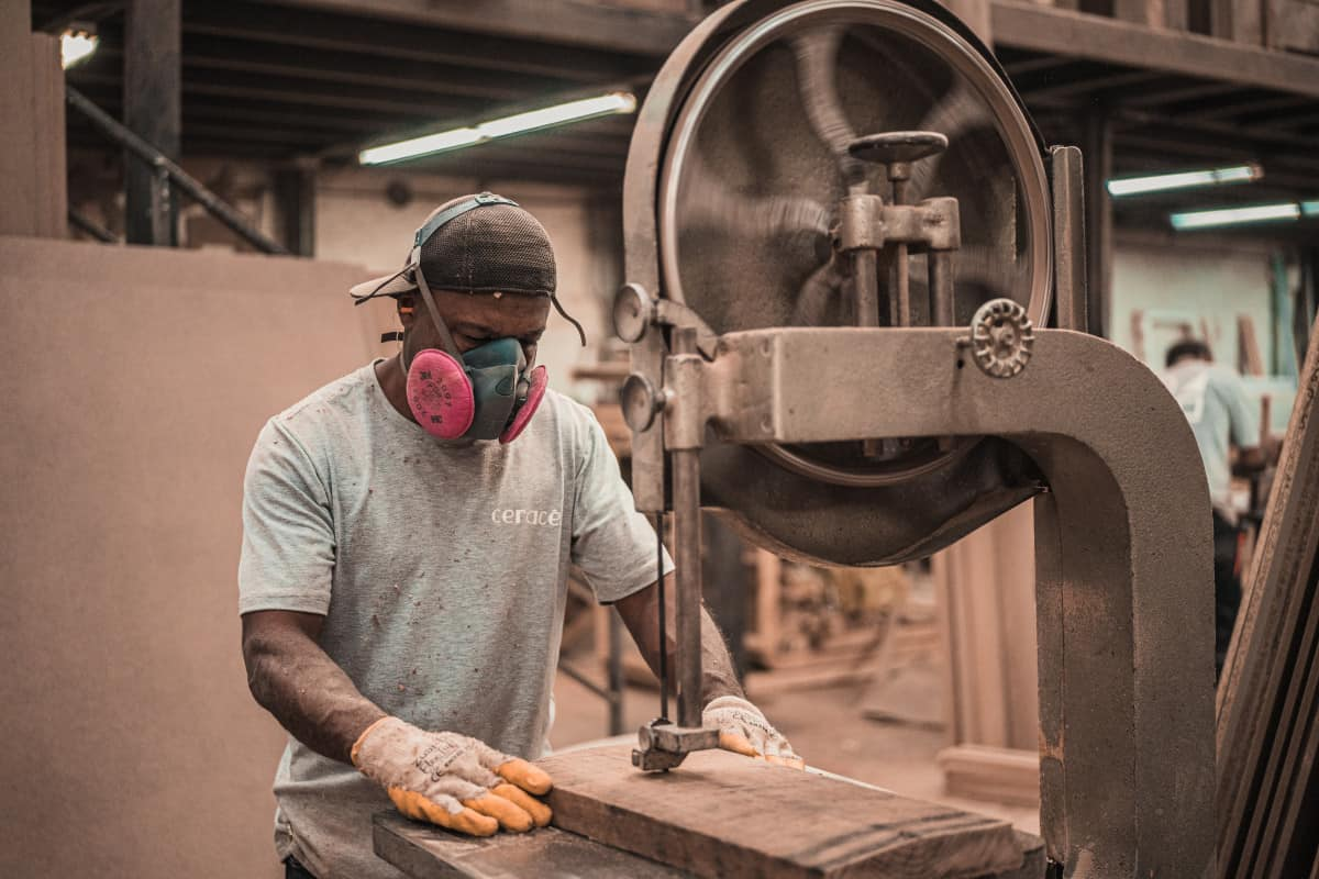 Woodworking By LPI -Should I Wear A Dust Mask For Woodworking